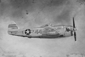 Parachutages et atterrissages forcés à Thieu en 1944