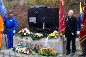 Cérémonie d'hommage aux mineurs morts à Thieu le 2 mars 1914